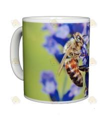 Mok/beker lavendelbloem en grote honingbij